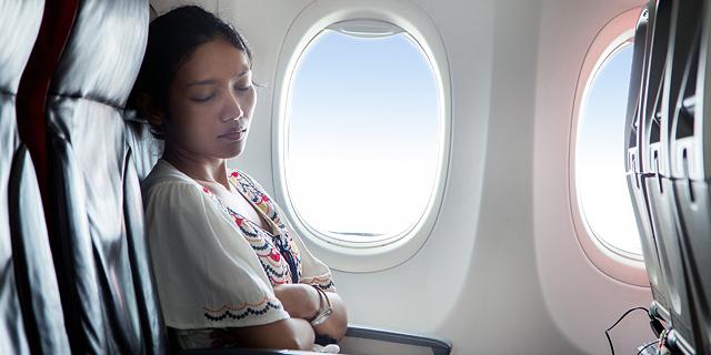 נסו לנוח בטיסה, צילום: שאטרסטוק
