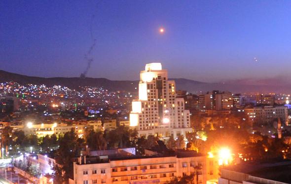 שמי דמשק בעת התקיפה, הלילה