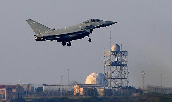 מטוס בריטי שהשתתף בתקיפה, צילום: איי פי