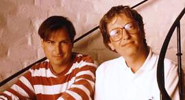ביל גייטס וסטיב ג'ובס, 2001, צילום: גטי אימג'ס