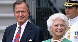ג'ורג' בוש ו ברברה בוש בבית הלבן, צילום: שאטרסטוק