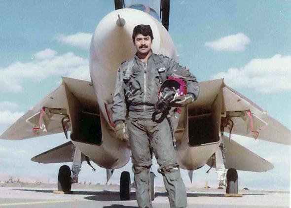 טייס איראני מול ה-F14 שלו