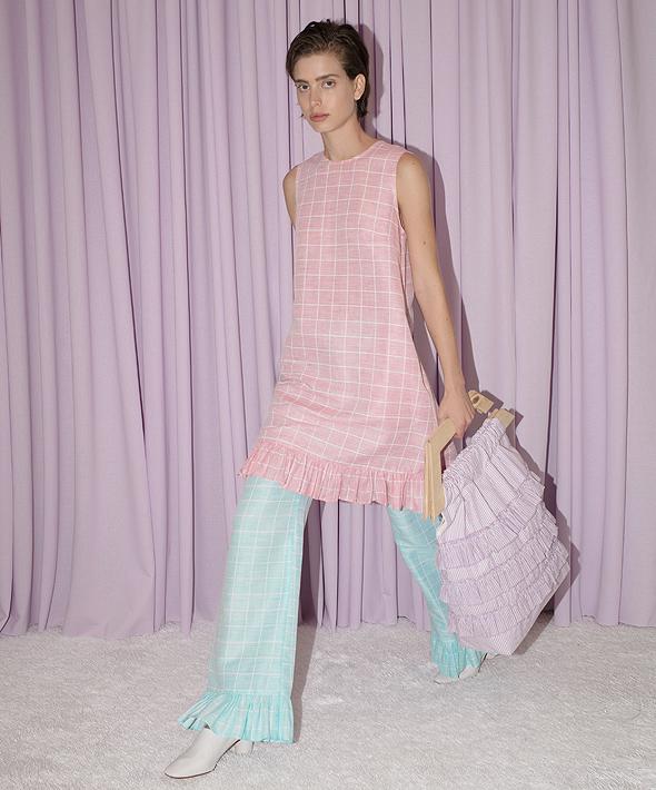 שמלה, מכנס ותיק של נורת'רן סטאר. 2,600 שקל