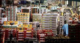 השוק הסיטונאי ב צריפין ב לילה, צילום: נמרוד גליקמן