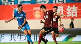 Israeli midfielder Eran Zahavi in the Chinese Soccer League Photo: Nadav Zenziper