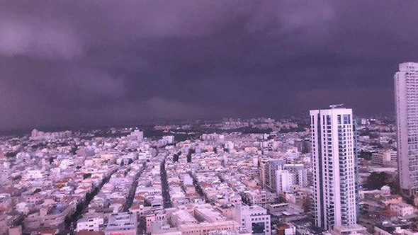 סערה בתל אביב, צילום: שלמה פשה
