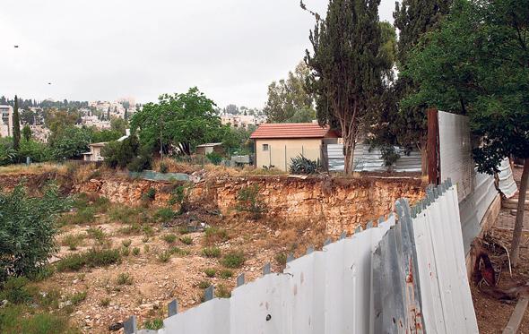 הקרקע בשכונת מקור חיים. הקבוצה התארגנה ב־2008, אך הבנייה טרם החלה