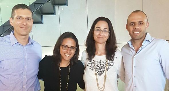 """מימין: אלעד אלון, מנכ""""ל LABS ישראל, הדיפלומטיות קרן גת-כהן ושרה וייס, וד""""ר אנדי דוד"""