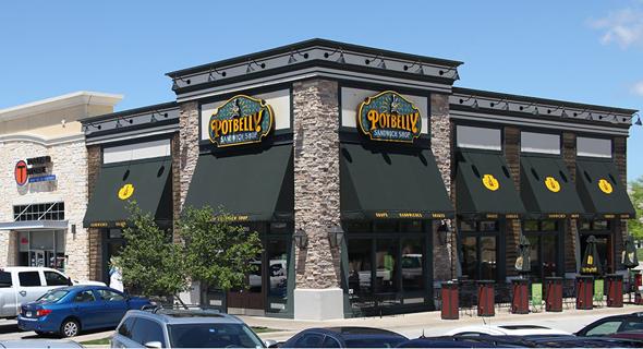 מרכז קניות שכונתי פתוח – קטן ובעל שימוש יום-יומי