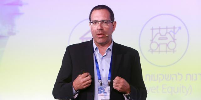 שמוליק ארבל, ראש המערך המסחרי בנק לאומי, בוועידה, צילום: צביקה טישלר