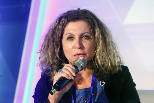 """אסתר אלדן, מנכ""""לית דלק ישראל, צילום: צביקה טישלר"""