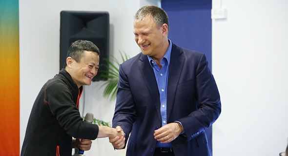 Alibaba CEO Jack Ma with JVP chairman Erel Margalit. Photo: PR