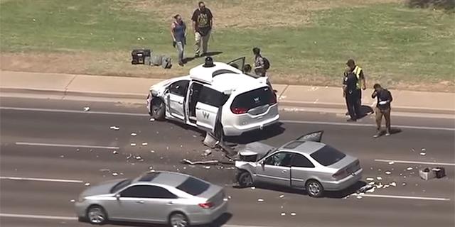 """הרכב האוטונומי של וויימו נפגע בתאונה; מנכ""""ל וויימו רק לפני חודש: """"לנו זה לא יקרה"""""""