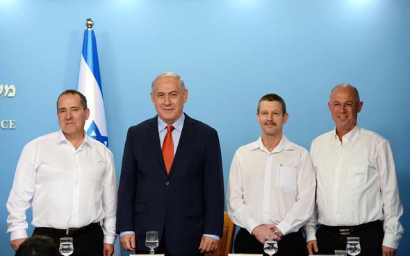 """מימין ד""""ר אודי נצר עם ראש הממשלה בנימין נתניהו, צילום: חיים צח לעמ"""