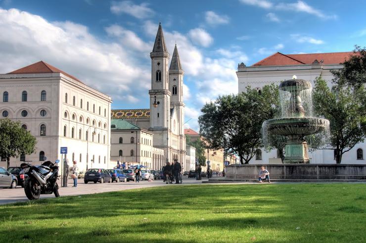 אוניברסיטת מינכן. העיר עקפה את ברלין