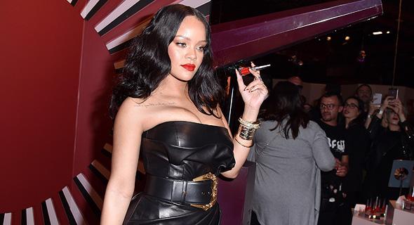 ריהאנה משיקה ליין איפור בספורה, מילאנו