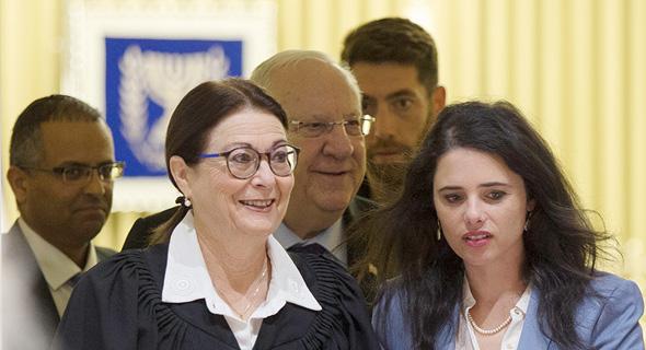 שרת המשפטים איילת שקד ונשיאת העליון אסתר חיות, צילום: עמית שאבי