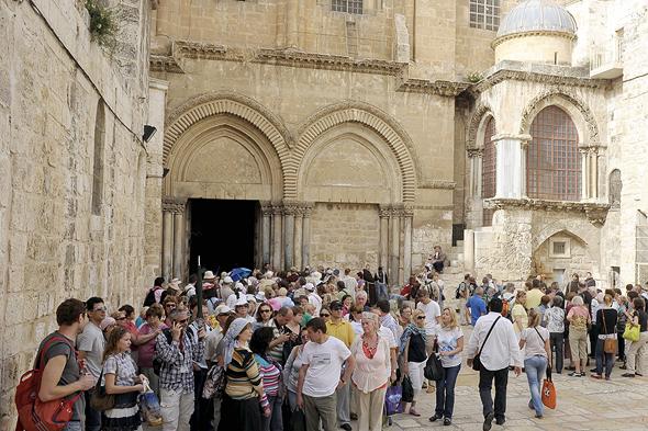 Tourist group in Jerusalem (illustration). Photo: Guy Asiag
