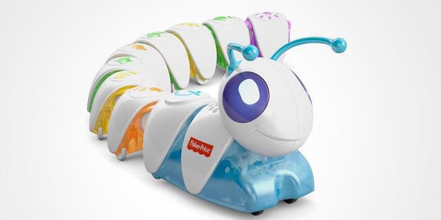 הזחל הרעב: יזם ישראלי טוען כי צעצוע הזחל של פישר פרייס הוא פרי המצאתו
