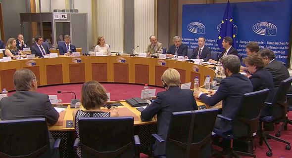 עדות מארק צוקרברג  ב איחוד האירופי, צילום מסך: שידור חי יוטיוב