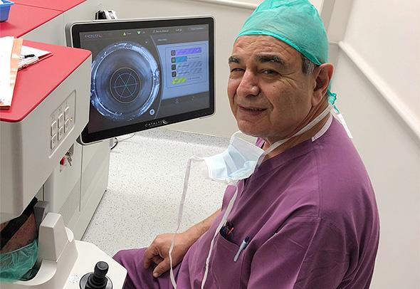 """ד""""ר סימון אברהמי, מנתח קטרקט בכיר, המרכז הרפואי עין טל"""