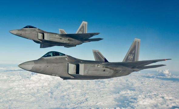F22 בטיסה