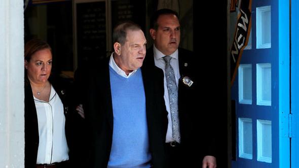 ויינשטיין בעת מעצרו בשבוע שעבר, צילום: רויטרס