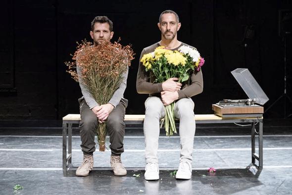 """מימין: אורן לאור וניב שיינפלד ב""""הריקוד השלישי"""". """"זה היה סיכון גדול ליחסים בינינו"""""""