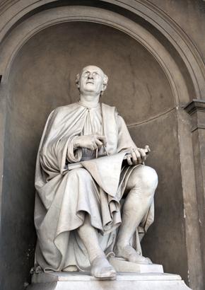 פסלו של האדריכל האיטלקי פיליפו ברונלסקי בפירנצה