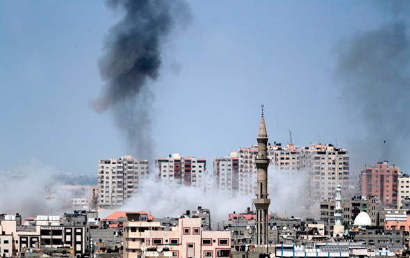 הפצצה ישראלית בעזה לפני שעה קלה