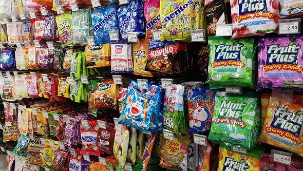 ממתקים ליד הקופה , צילום: שאטרסטוק