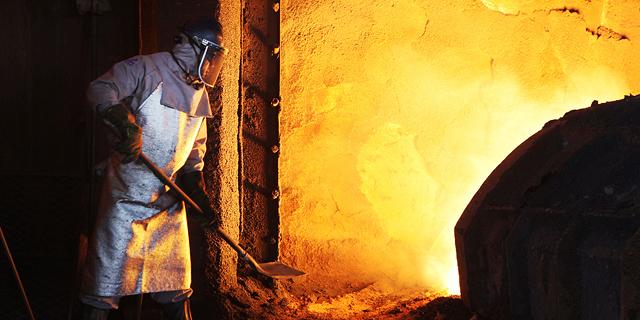 סינו-בלוף: יצרניות פלדה מקימות מפעלים מחוץ לסין ומתחמקות ממכסים