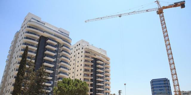 """למ""""ס: זינוק של 21.3% במספר הדירות שמכרו הקבלנים במאי-יולי"""