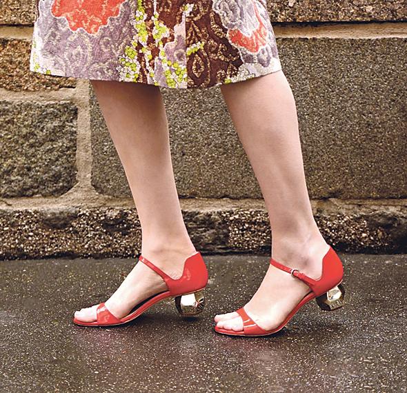 נעליים בעיצובה של ספייד