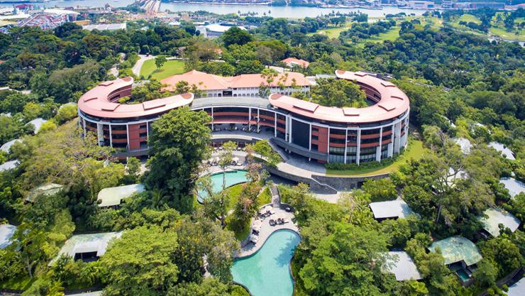 מלון קאפלה סינגפור. שם יפגשו מחר טראמפ וקים ג