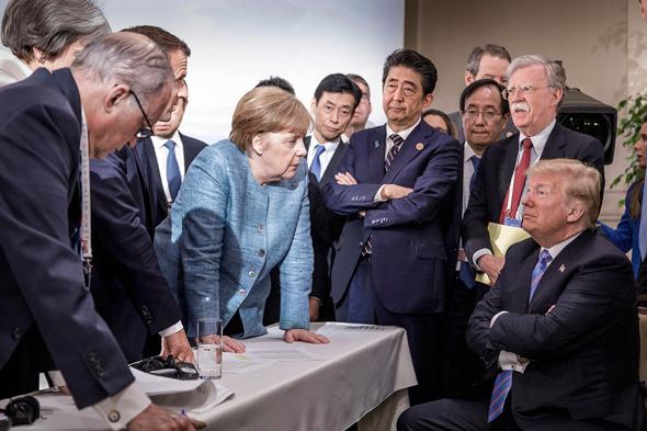 """טראמפ ומנהיגי מדינות ה-G7. """"דובי לא-לא"""" שקנה את בדידותו ביושר"""