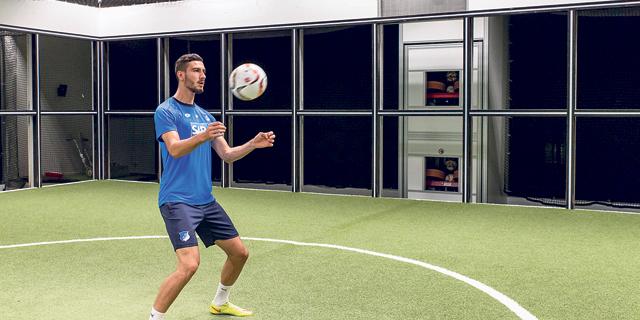 ריקוד המכונה: הכדורגל הגרמני מפצח את המטריקס בסיוע מכונות ומיליארדי מספרים