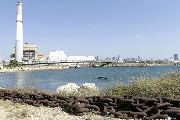 מעגנה מערבית לתחנת הכוח רדינג. השטח הימי של המרינה יהיה 60 דונם