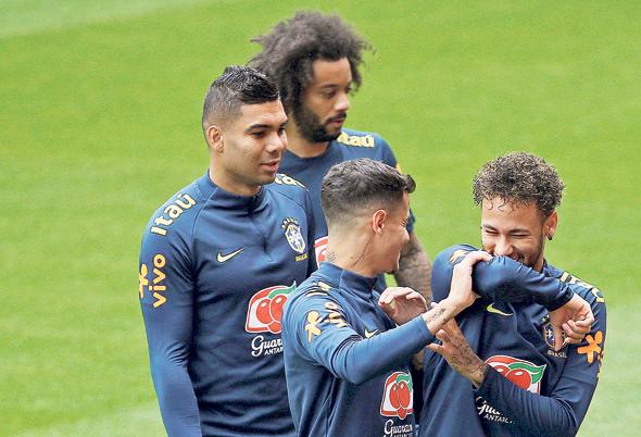 נבחרת ברזיל עם ניימאר, קוטיניו, קאסמירו ומרסלו. יש איזון?