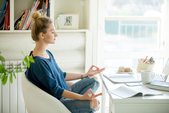 מדטיציה לפני פגישת עבודה ושיעור יוגה אחריה (אילוסטרציה)