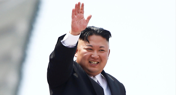שליט צפון קוריאה קים ג'ונג און. אביו יזם את זיופי הדולרים