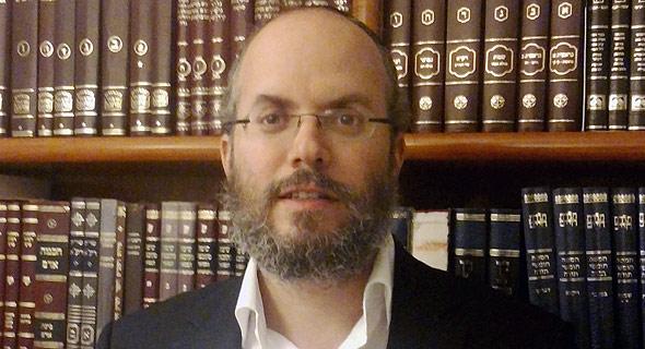 הרב בצלאל כהן, ראש הישיבה החרדית התיכונית חכמי לב
