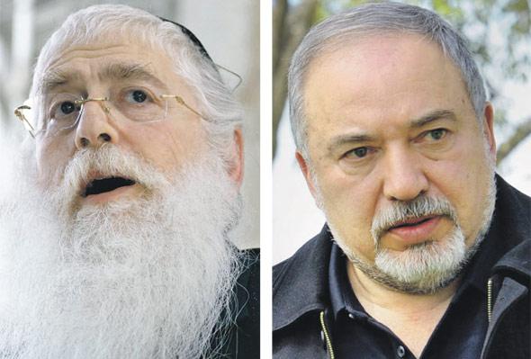 מימין שר הביטחון אביגדור ליברמן וסגן שר החינוך מאיר פרוש