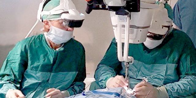 Company Developing AR Headset for Surgeons Raises $11.5 Million