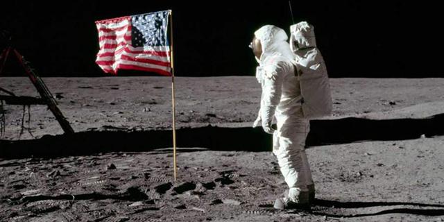 """תושבת ארה""""ב נגד נאס""""א: דורשת להמשיך ולהחזיק באבק מהירח בשווי מיליוני דולרים"""