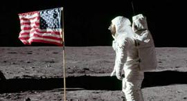 """ניל ארמסטרונג אסטרונאוט ירח, צילום: נאס""""א"""