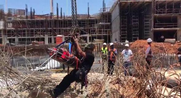 תאונת עבודה קריסה באתר בנייה בפתח תקווה (ארכיון)