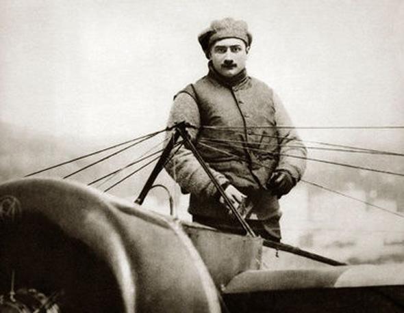 טייס, חדשן, גיבור - אך בעיקר סלבריטי. גארוס