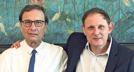 """מימין ד""""ר איל שנהב ו דוד חודק, צילום: צביקה טישלר"""