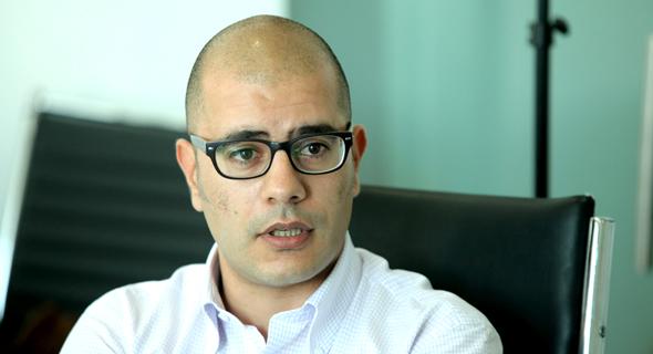 ערן ענבים מנהל הכספים של אזורים, צילום: עמית שעל
